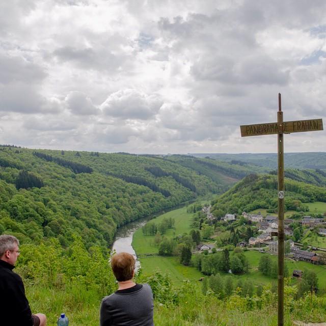 Panorama de Frahan, prachtig uitzicht in onze favoriete regio #Rochehaut #Ardennen #natuur #uitzicht #instatravel #wallonietourisme